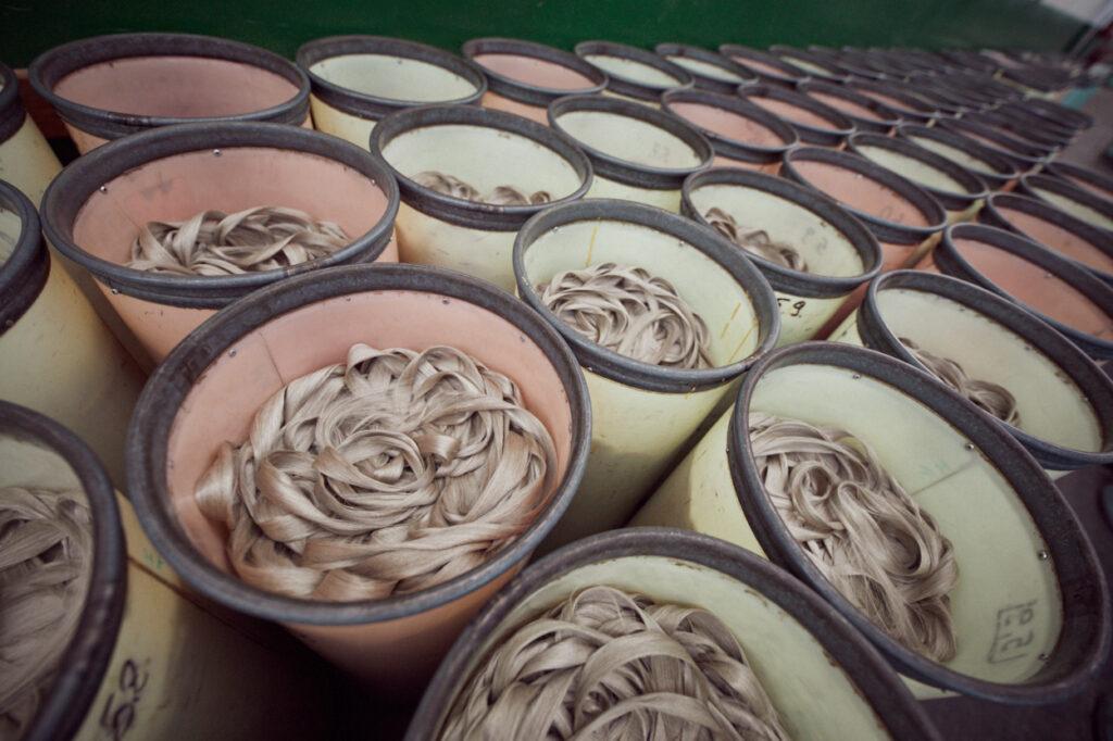 Manufacturing flax yarn-Combing